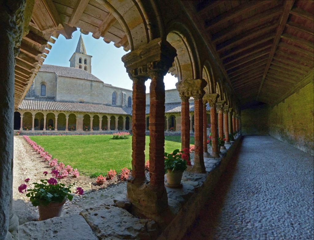 Vue Cloître et Clocher Abbaye Saint-Papoul