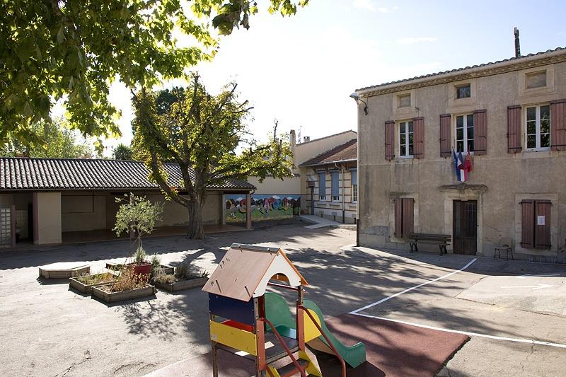 Vue cours école Saint-Papoul