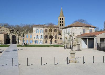 Place du village Saint-Papoul