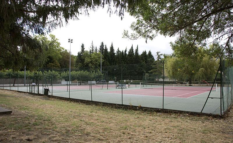 Vue terrain de tennis Saint-Papoul